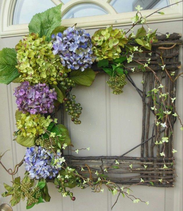 Eckig - Fenster aus Zweigen mit Hortensien