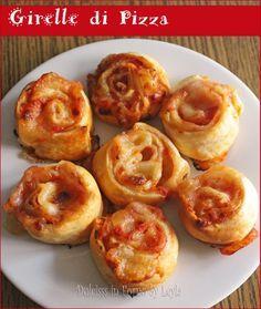 Un antipasto un po' diverso: le Girelle di pizza di pasta sfoglia. Sono carine da presentare, un po' originali e, ovviamente, buonissime !