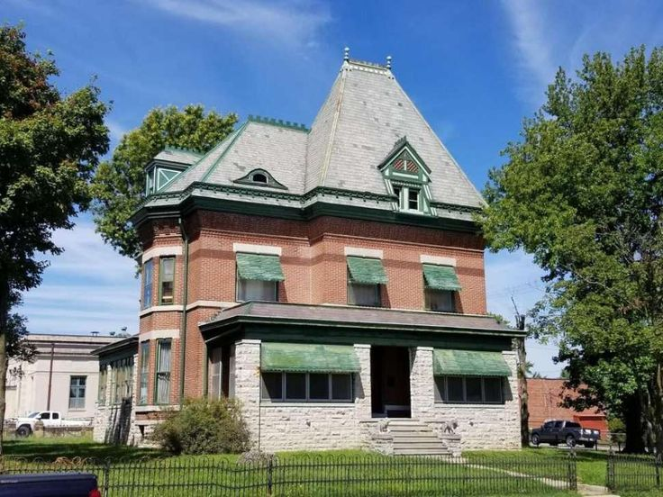 c.1891 Queen Anne located at: 128 N Webb st. Webb City, MO 64870