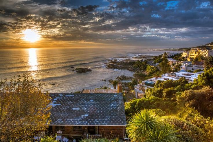 Nox Rentals - Houghton Steps - http://www.noxrentals.co.za/accommodation/camps-bay/houghton-steps/