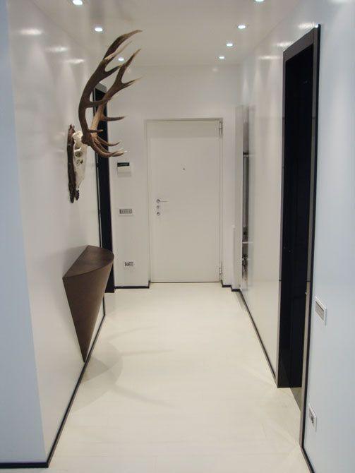 ingresso appartamento #apartment entrance # porte #doors #illuminazione a Led #led lighting #
