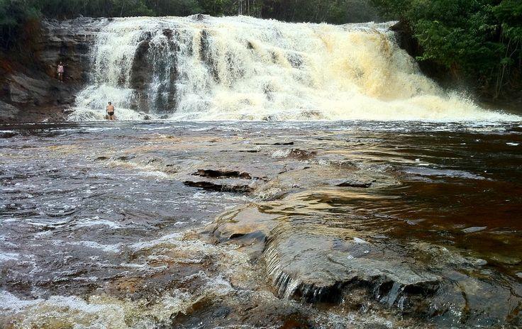 """Cachoeira de Iracema, no municipio de Presidente Figueiredo, considerado a """"Terra das Cachoeiras"""", no estado do Amazonas, Brasil.  Fotografia: http://g1.globo.com"""