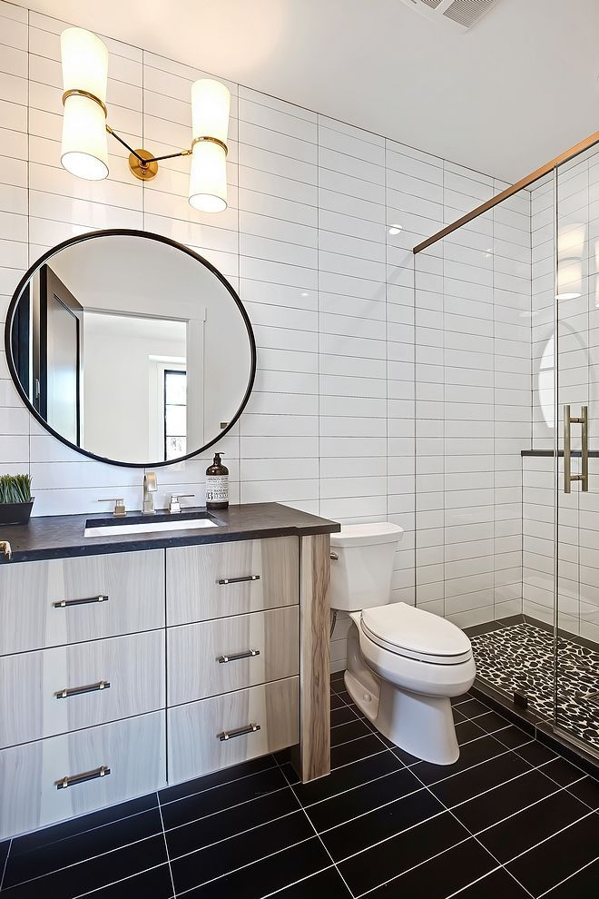 Bathroom With 4x16 White Subway Tile In A Horizontal Stack Pattern On Walls And 4x16 Black Bathroom Trends Bathroom Renovation Trends Bathroom Interior Design