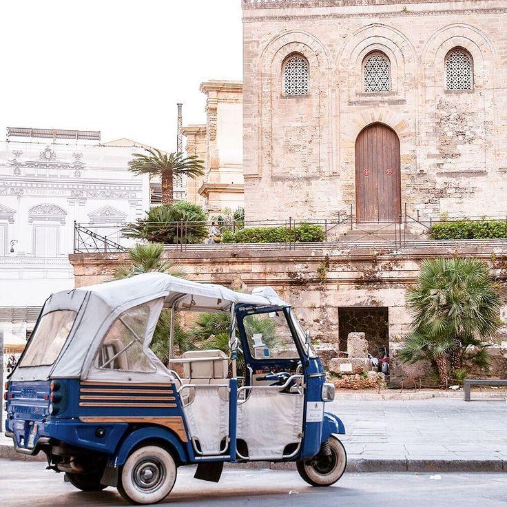 Palermo Old City Center. #palermo #italia #italy #iralgram #sicilia #sicily #springbreak #wanderlust #instatravel #igerssicilia #igerspalermo #travelgram #traveller #weekendscape #van #trasporti #holidays