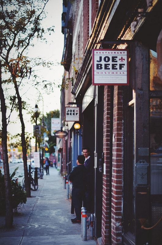 exterior of joe beef, montreal, canada | foodie travel + restaurants #storefronts
