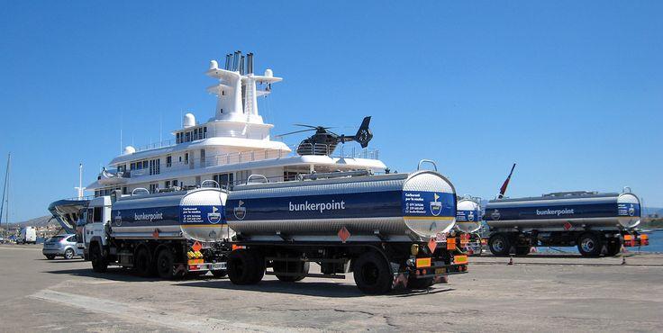 Fuel bunkering / Porto Cervo Promenade du Port. National and Duty Free fuel in Sardinia.