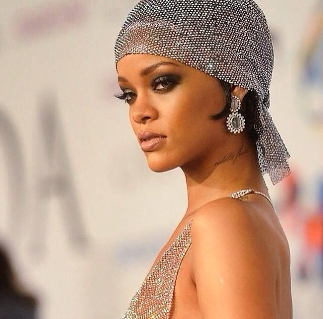 Only Rihanna could make this fully sheer gown look so glamorous (warning: contains nudity) <3