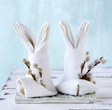 Een konijn vouwen van een linnen servet: met duidelijke uitleg