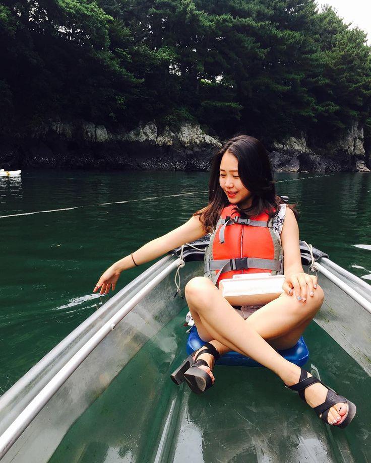 Instagram의 장현정님: 쇠소깍에서 드뎌 투명카약 탐!! 여전히 물은 맑고 이쁘넹 . #국내여행 #여행 #제주도 #쇠소깍 #투명카약 #여행스타그램 #jeju #travel #일상