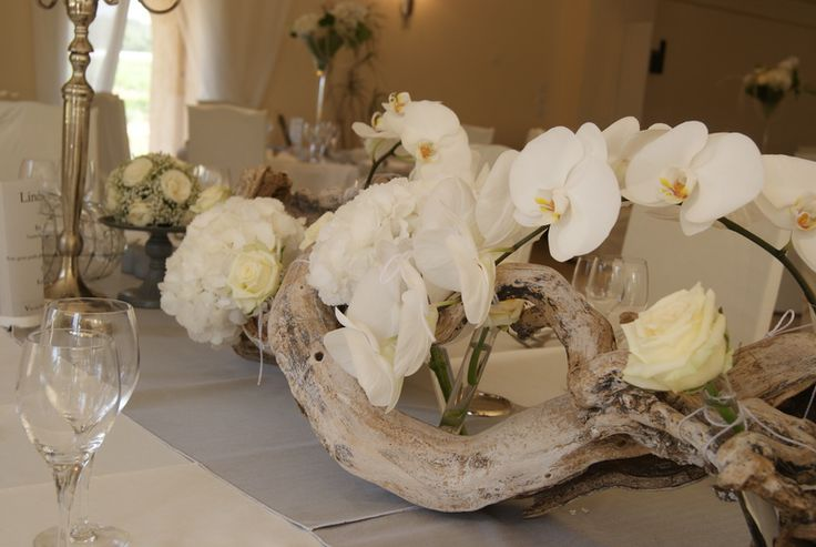 Magnifique centre de table orchid e bois flott d co salle pinterest nature tables and centre - Centre de table cinema mariage ...