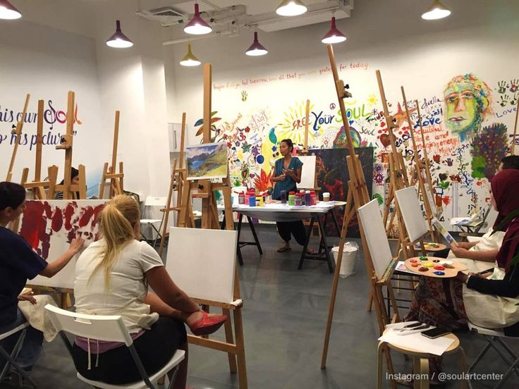 Founded on the notion that no-one should ever let go of their childhood imagination, Soul Art Center in Downtown Dubai offers a number of creative classes to nurture your artistic potential. Providing a variety of art courses in Dubai both parents and kids can enjoy a session of creativity together.