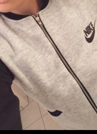 Veste Nike grise et noire