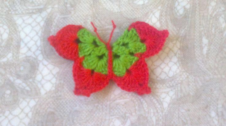 Schmetterling häkeln, rot grüner gehäkelter Schmetterling Aufnäher,Bastelbedarf, Verzierungen, Sammelalbum, Einklebebuch,Hochzeitsdekoration von HaekelshopSetervika auf Etsy