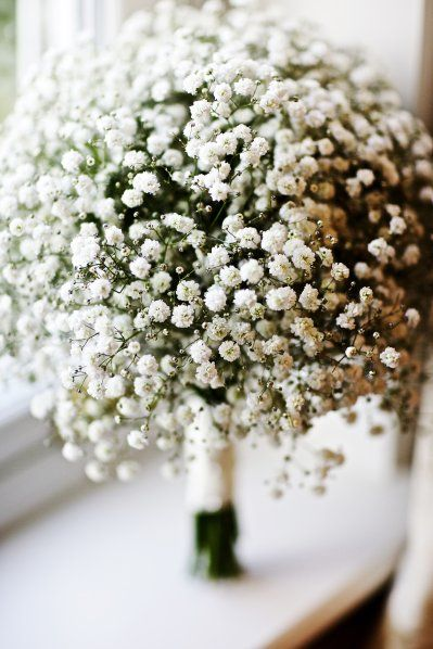 Baby's breath bouquet. I'm loving the simplicity and elegance of this flower!