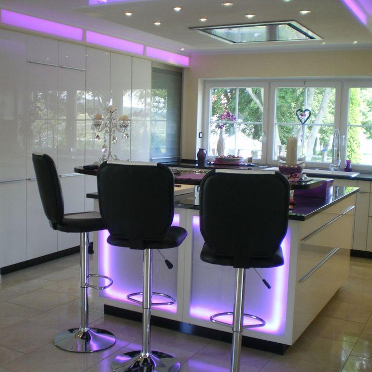 SKAPETZE -    RGB-LED-Strip / 15 Meter Komplettset inkl. Fernbedienung Innenleuchten LED-Strips