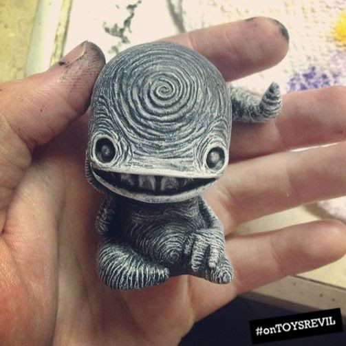 "TOYSREVIL: Shadoe Delgado's ""Shadows and Ghosts"" Blindbox Series"