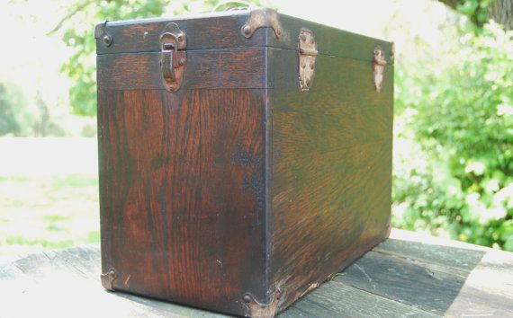 Here is a 5 drawer machinist tool box/ chest with original key. This box is all there but has a few issues but for the right person can be fixed and be an awesome tool box or jewelry chest. All of the drawers are in good shape and the box is solid. The interior needs new felt and a few small