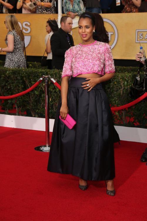 Une Kerry Washington enceinte en Prada (Flair.be) http://www.flair.be/fr/mode/270724/les-plus-beaux-looks-des-sag-awards
