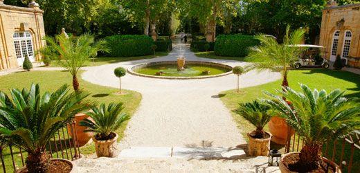 Le Château de la Pioline à Hôtel Aix en Provence. En signant la renaissance du Château de la Pioline, Nicolas Desanti, le nouveau gérant, n'en est pas à son premier challenge réussi pour ouvrir, lancer ou dynamiser un hôtel haut de gamme. Désormais, cette bastide luxueuse, située sur la commune d'Aix-en-Provence, répond aux attentes de tous.  En savoir plus sur http://www.loisirs.fr/actualite/Le-Chateau-de-la-Pioline.html