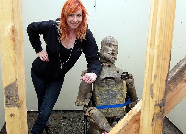 Kari Byron of Mythbusters...proof that not all girls on real-life TV are floozies.