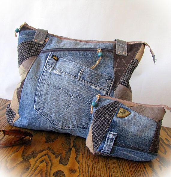 Eine handgefertigte Jeans Patchwork Tasche und Geldbeutel.  Diese wirklich süß und sehr funktionale Tasche wurde Jeans...  Diese handgefertigte Tasche hat Taschen innen.  Es empfiehlt sich jeden Tag Handtasche!  . Ungefähre Abmessungen: Tasche 38 x 32 cm (15 x 12,5), behandelt - 62 cm (26)  Geldbörse 18 x 15 cm (7 x 6)   Der https://www.etsy.com/ru/shop/klaptykart?ref=hdr_shop_menu mein Geschäft