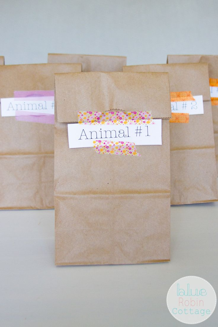 Zoo Scavenger Hunt- my kiddos would LOVE this! Cute! And I love the backyard version idea too!