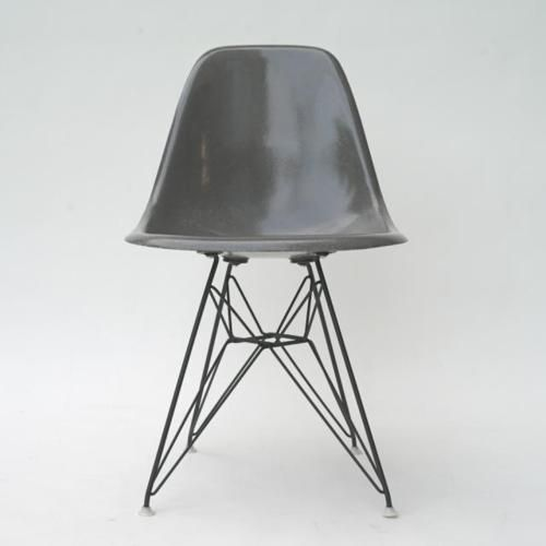 Fav.chair in gray: Eames Chairs, Styleonnet Tumblr Com, Furniture Classic, Minimal Styles, Classic Furniture, Grey, Products Design, Design Clasic, Side Chairs