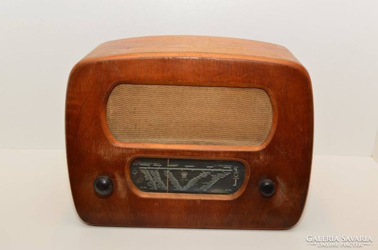 Régi rádiók gyűjtőknek egyben, egy áron