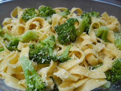 Imagem da receita Talharim ao brócolis com alho e óleo