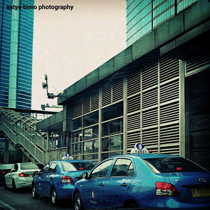 busway station