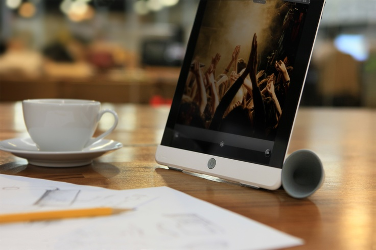Listen to smooth music in the morning on your iPad Hornstand!