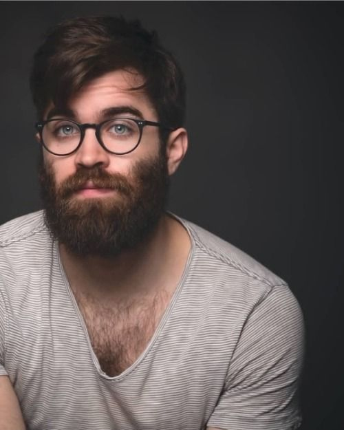 f854322726 beards and round specs
