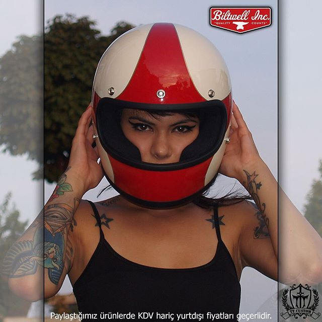 """Biltwell Gringo full-face Kasklar TT Custom Showroomlarda!  239 € Online Shop: ttcustomshop.net (0216) 541 91 90 - (0242) 349 28 30  Full-Face Biltwell Gringo Helmets available in our TT Custom Showrooms!  #helmet #kask #safe #live #life #lifestyle #instabike #instamoto #bike #biltwell #bikelife #gringo #good #bikestagram #feel #fashion #freeway #cc #cool #cycle #custom #motorcycle #motorbike #style #street #accessories #equipment"" Photo taken by @ttcustomshop on Instagram"