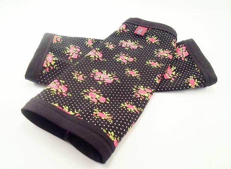 Schwarze Tapete Bestellen : NELOMI leichte Armstulpen,schwarz,Rosen von miss nelomi auf DaWanda