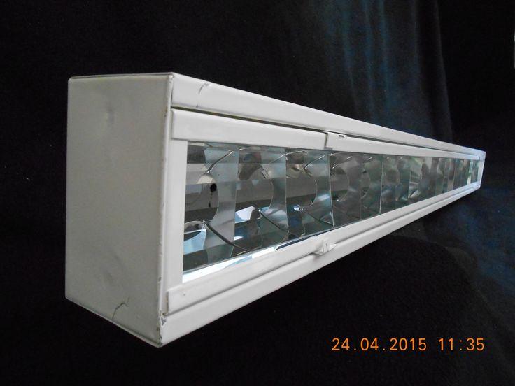Gabinete de sobreponer con marco y louver de aluminio Medidas: 12x61 para 1tubo de10 -‐17-‐21-‐14–24 Watts 12x1.22 para 1 tubo de 32-‐39-‐20 Watts