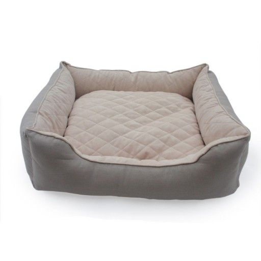 Little&Bigger Ease koiranpeti on tyylikkään yksinkertainen nukkumapaikka. / Little&Bigger Ease dog bed is comfortable sleeping place for the dog and its' simple and stylish design fits for every interior.