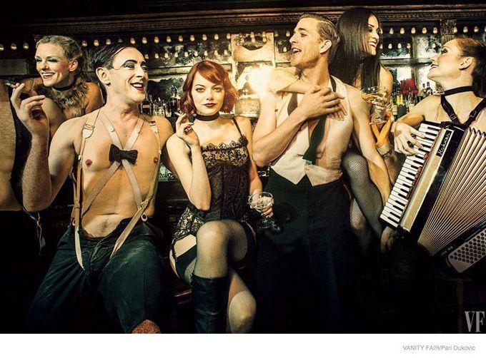 """Актриса Эмма Стоун (Emma Stone) появилась в фотосессии, приуроченной ее дебюту в бродвейском мюзикле """"Cabaret"""". Фотосессия вышла в свежем Vanity Fair."""