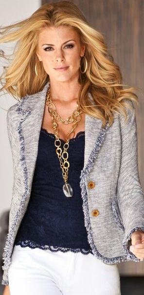 Chaqueta Tweed , combinacion perfecta para usar con jeas, o para ir a una cena