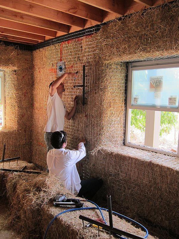 ❧ Straw bale Workshop Day 7