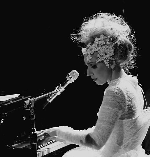 she is incredibly talented. it comes out when she's not being so showy... great pic.