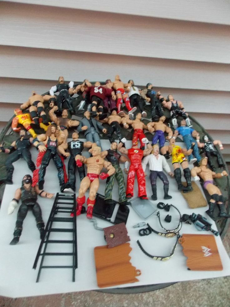 Toys For Fat : Large lot of wwf wwe figures wrestlers accessories