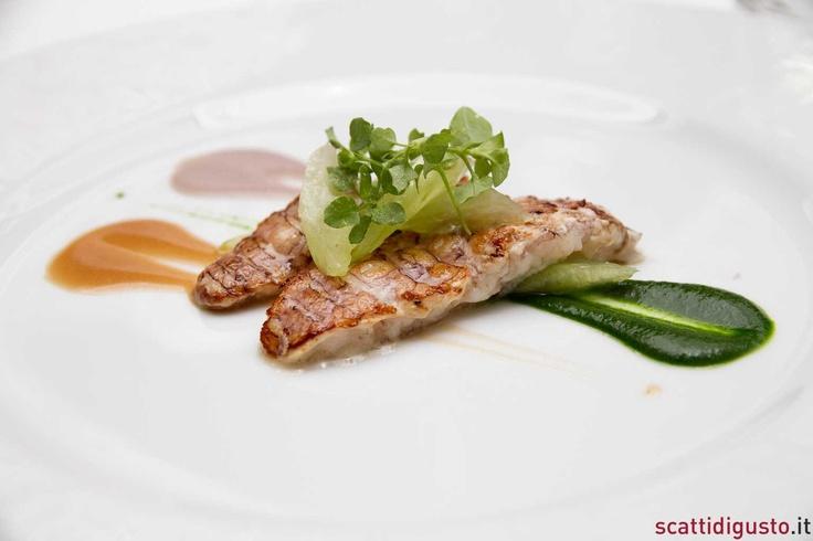 Le canocchie ubriache di Mauro Uliassi sono da consigliare. Si accettano pareri contrastanti su http://www.scattidigusto.it/2012/08/07/ho-cenato-da-mauro-uliassi-e-so-cosa-significa-ristorante-da-a-mare/