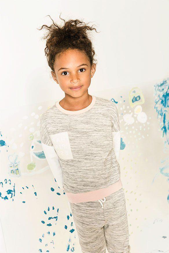 Las colecciones de Zara niños de verano o invierno 2017, están llenas de prendas espectaculares, tanto para el día a día como para fiestas.