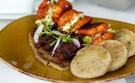 Con una cocina audaz y de gran sabor, los chefs Ix-chel Ornelas y Fernando Sánchez celebraron una noche mexicana deliciosa