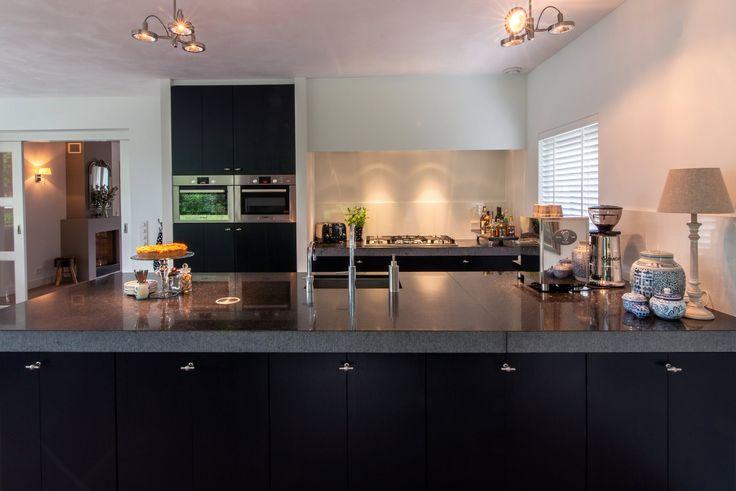 Landelijk moderne keukens van galen keuken bad keukens op maat gemaakt vanuit zwolle - Eiland zwarte bad ...