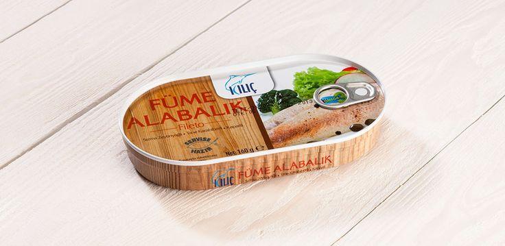 Alabalık Füme Fileto Hazır pişmiş ürün olması sebebiyle çözdürüldükten sonra hemen tüketilebilir. Kullanım: Hiç pişirmeden veya ısıtılarak servis edilebilir. (fırında, ızgarada veya tavada) Beslenme faktörleri: Balık iyi bir protein kaynağıdır, aynı zamanda Omega 3 açısından zengindir.