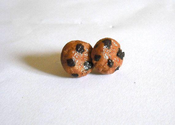 Orecchini cookies biscotti con gocce di cioccolato anallergici per orecchie sensibili modellati a mano in porcellana fredda