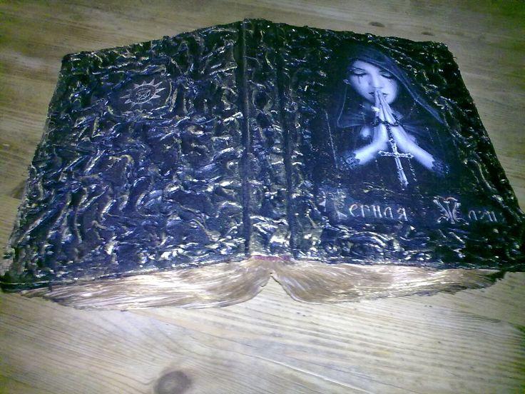 idee rigalo fatto a mano, Libro di streghi, idea Handmade