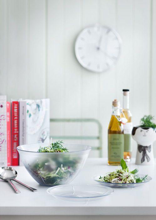 Specjalnie dla wielbicieli letnich klimatów duńska firma Rosendahl, rozszerzyła popularną kolekcję Grand Cru o serię idealnych na ogrodowe przyjęcia produktów Outdoor. Dostępne w FabrykaForm.pl