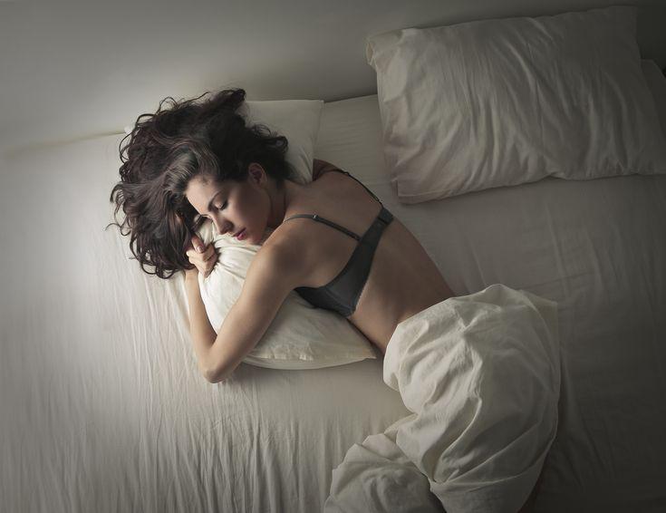 Rintaliivit+yllä+ei+kannata+nukkua+–+voi+olla+enemmän+haittaa+kuin+hyötyä